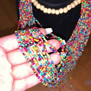 Shakiras necklace hand make.